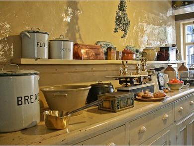Vintage-Kitchen-Accessories-Sets